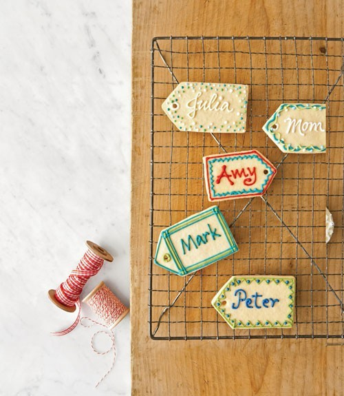 Name tag cookies… such a cool idea! Makes the wrapping so much more meaningful!