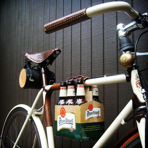 theblackworkshop:  Bike 6-Pack Holder