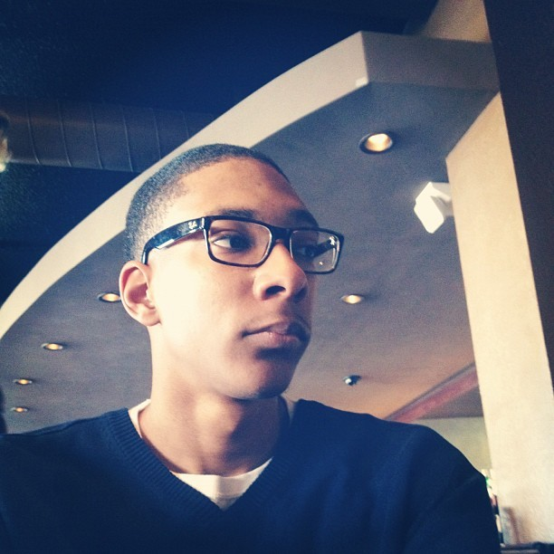 Waiting - #SideBar #OregonDistrict #Dayton #Ohio #swag #outfit #RayBan #frames #Navy #Blue #Vneck #Sweater #TheDernierCri #fresh #cut #Brunch (Taken with Instagram at SideBar)
