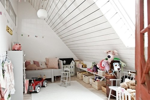 myidealhome:  adorable attic playroom (via Bjurfors)