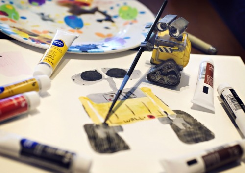 Wall-e Paints a Self Portrait. 8/366