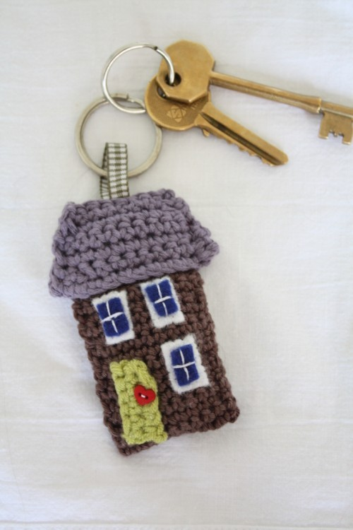 DIY Free Pattern for Little Crochet House. I don't know how to crochet, but want to learn. Free Pattern Download from Emma Varnam here. Pattern taken down but more key chain crochet patterns on her home page.