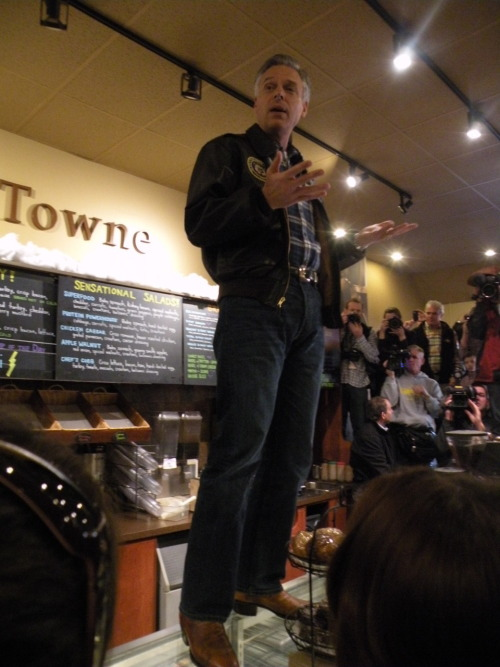 Jon Huntsman addresses a packed house during a Jan. 8 campaign event at the BeanTowne Coffee House in Hampstead, NH. Photo by Rhys Heyden, American Observer.