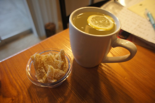 Gingerlicious Lazy Sunday - Ginger candy & Ginger lemon tea! Got this awesome recipe from aliendaysout. Great site for Vegans and Vegans wannabes