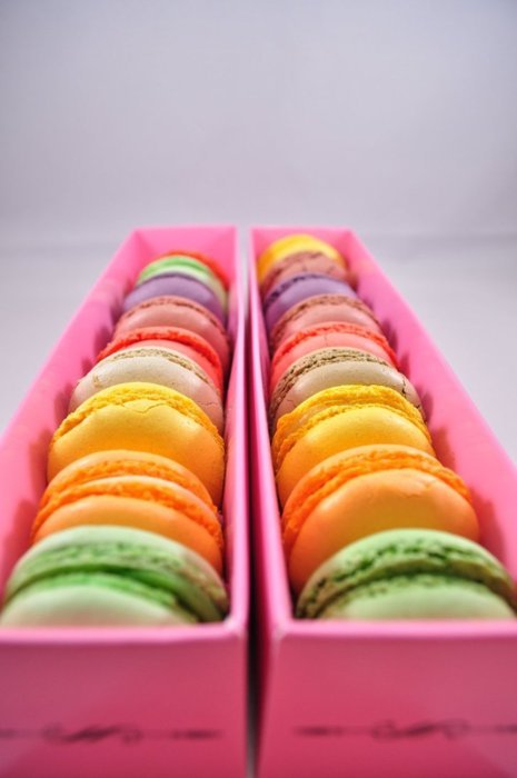 c-r-i-s-p:  because macaroons.