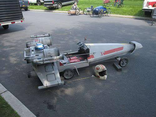 anarmyofancients:  Soap box derby x wing. This is impressive.  So awesome! I want it. (And I want the helmet)