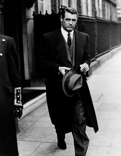 theniftyfifties:  Cary Grant