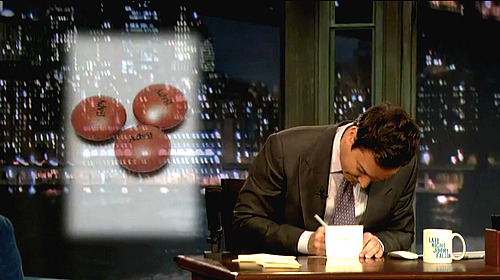 thankyoujimmyfallon:   Thank you, Advil, for being like m&m's that went to medical school.
