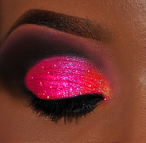 Gorgeous! This look is much easier with a dark skin tone.