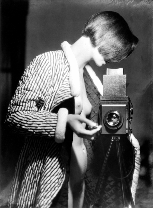 Marianne Breslauer      Self-portrait, Berlin     1930