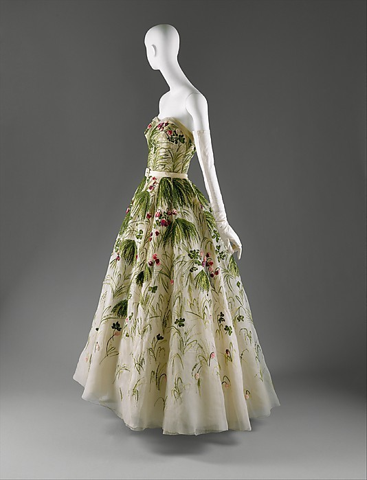 sequinsandcitations:  omgthatdress:  May Christian Dior, 1955 The Metropolitan Museum of Art  I want to wear this like every day forever  Oooh, it's almost as good as the mermaidy Dior dress with the sparkly blue scales. You know? That one? It's the best dress ever, but this is really good too.