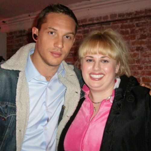 charlidos:  Tom Hardy and Rebel Wilson on the set of This Means War.