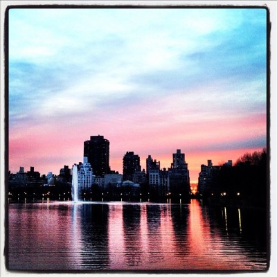 Reservoir Sunrise. #nyc #sunrise #instagram #iphone4 #centralpark #sky #clouds #morning#newyorkcity  (Taken with Instagram at Central Park - Reservoir - North Gate)