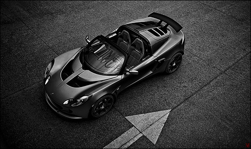 carpr0n:  Irrational choice Starring: Lotus Exige (by VisualEchos)  This whip is growing on me.
