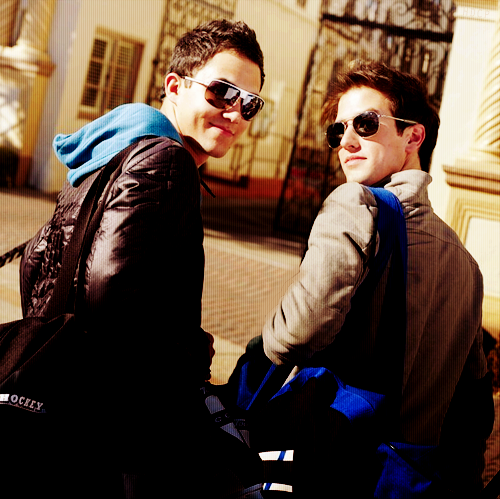 multifluffyness:  Cuties Carlos and Logan <3