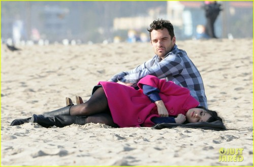 such a cute pic - can't wait for next week and an all-new episode of NEW GIRL, love that show