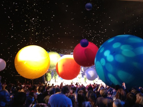 Went to Slavas Snowshow last night. Lots of big balls at the end.