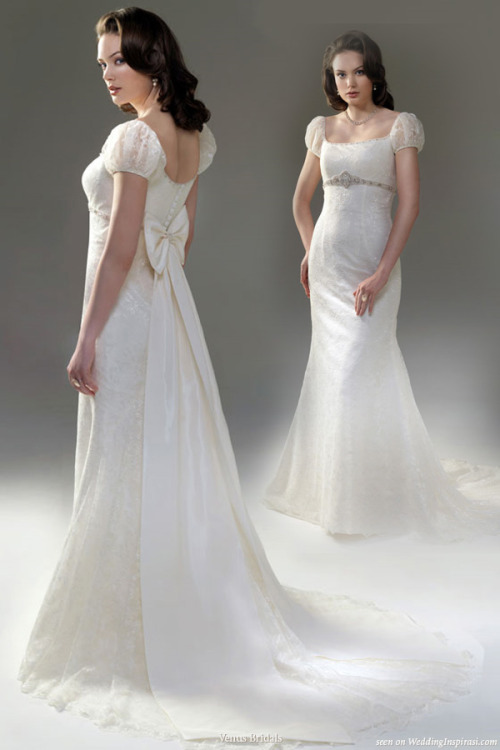 awesomeweddingdresses:  http://www.weddinginspirasi.com/wp-content/uploads/2010/04/new_princess_wedding_dress.jpg