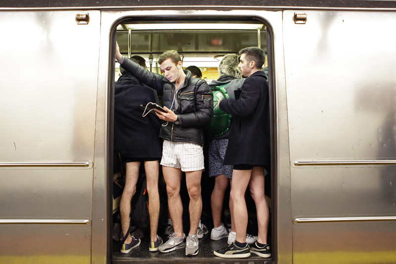 TAKE IT OFF! The NO PANTS SUBWAY RIDE 2011 @ New York City.