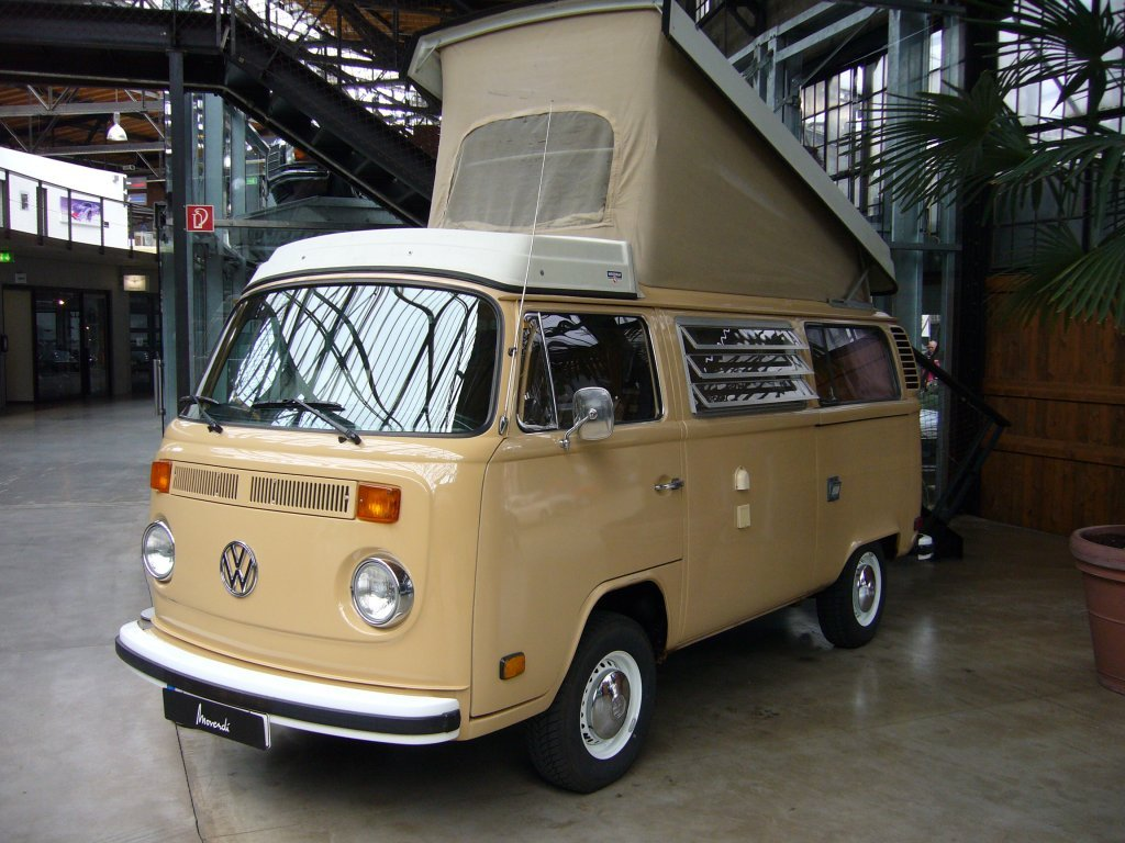 classic T2 VW Westy camper - US version with position lights in front doors