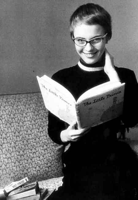 Jean Seberg reading Antoine de Saint-Exupéry's The Little Prince.