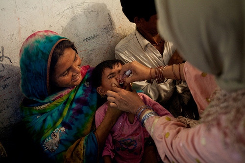 PAKISTAN: Immunizing children against disease (by UNICEF Pakistan, via muslimmafia) Follow us on Facebook | Twitter or Submit something or Just Ask!