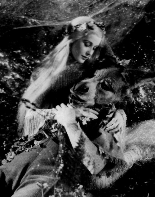 James Cagney as Bottom and Anita Louise as Titania in A Midsummer Night's Dream (1935, dir. William Dieterle & Max Reinhardt )