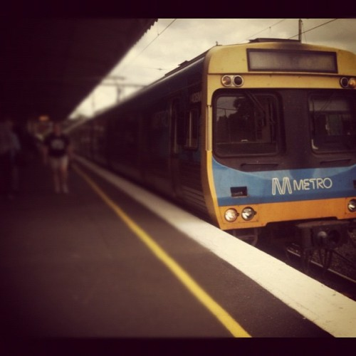 Direct service to flinders street stopping all stations to flinders street (Taken with Instagram at Lilydale Station)