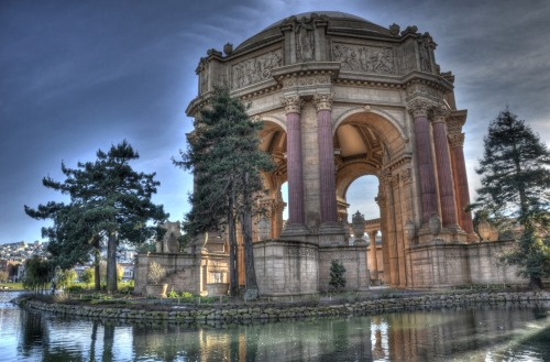 Palace of Fine Arts in San Francisco. This is one (or actually 3) of the 800 shots I took last Saturday.