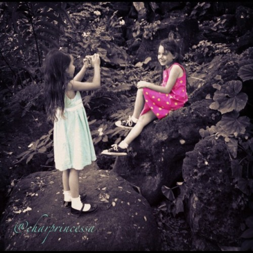 The Girls Again! #hawaii #iphoneography #oahu #808 #ig #igers #iphone4 #iphoneonly #instamood #instagramer #waimea  (Taken with instagram)