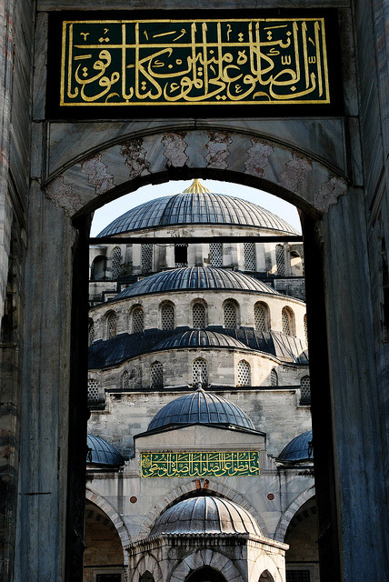 islamandart:  Domes of Sultanahmet Masjid, Istanbul This masjid, also known as Blue masjid