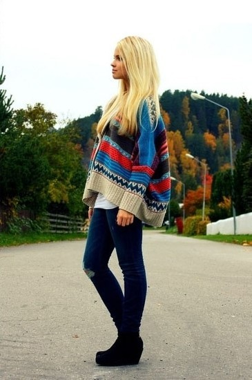 starblizzard:  colorful cape sweater.