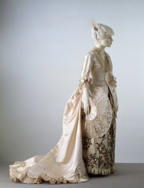 omgthatdress:  Evening Dress Charles Fredrick Worth, 1881 The Victoria & Albert Museum