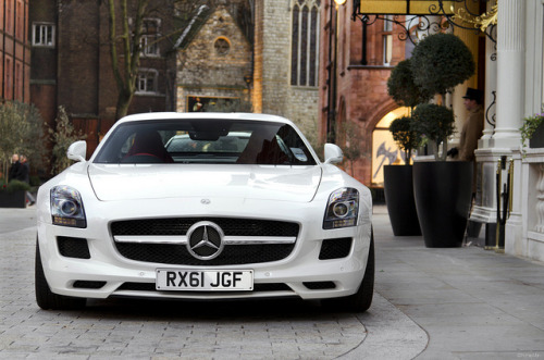 SLS AMG photo by Thomas Mein.