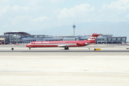 Trans World Airlines (TWA) McDonnell Douglas MD-83 (DC-9-83) (EI-BWD) by ChicagoKoz on Flickr.