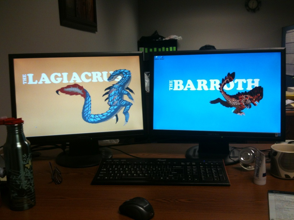 Have you been enjoying the Lagiacrus wallpaper?  Sarah doubled it up with the Barroth at her work station to remind her of the thrill of the hunt while at the office.