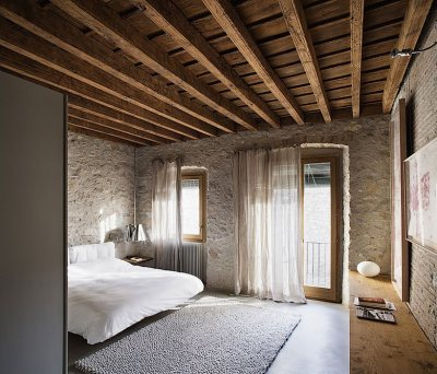 Alemanys 5 in Girona, Spain, by architect Anna Noguera on DESIGN D'AUTORE.COM