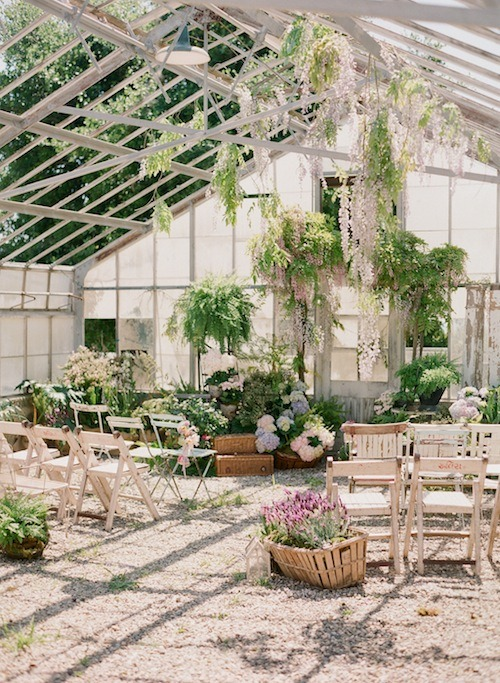 fuckyeahweddingideas:  I love this ceremony space.