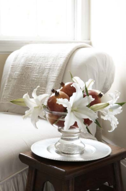 Winter whites: Such a pretty flower arrangement.  Source: New England Home via Twitter
