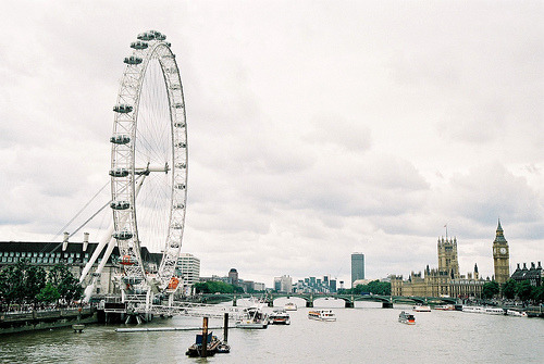 inkysquares:  london eye (by mankus)