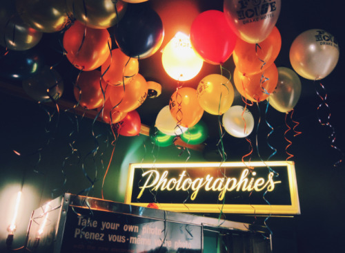 Photobooth balloons.