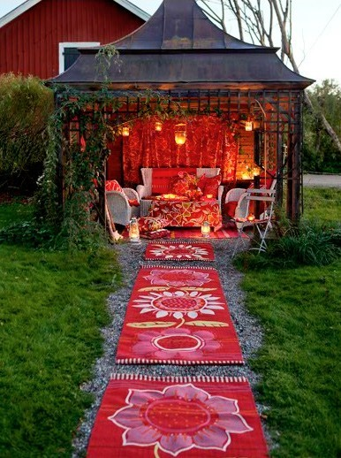 thatbohemiangirl:  My Bohemian Home ~ Outdoor Spaces curatedstyle:  Outdoor fabulousness!