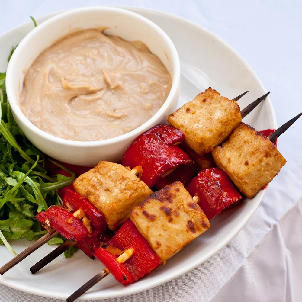 Tofu & Capsicum Marinated Skewers with Peanut Sauce. 100% vegan and gluten-free!
