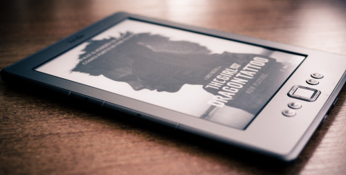 theeverydaymakesmehappy:  Amazon Kindle 4 WiFi (by Sergey Galyonkin)