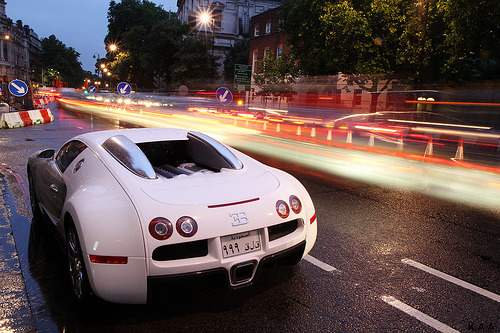 automotivated:  White arrow(s) (by mrmisteraa)