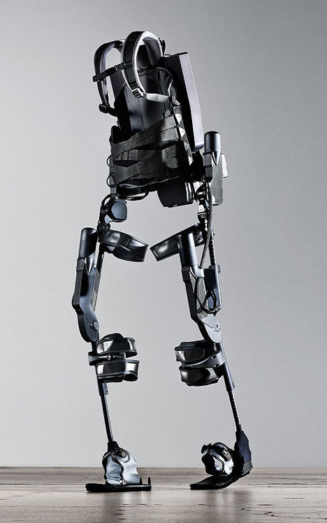 (via Ekso Bionics to Begin Shipping Exoskeletons for Paraplegics This Year - Core77)