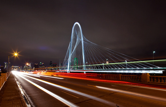 dallasobserver:  Amazing shot (by Justin Terveen) of the Calatrava Bridge lighting last night. (Via)