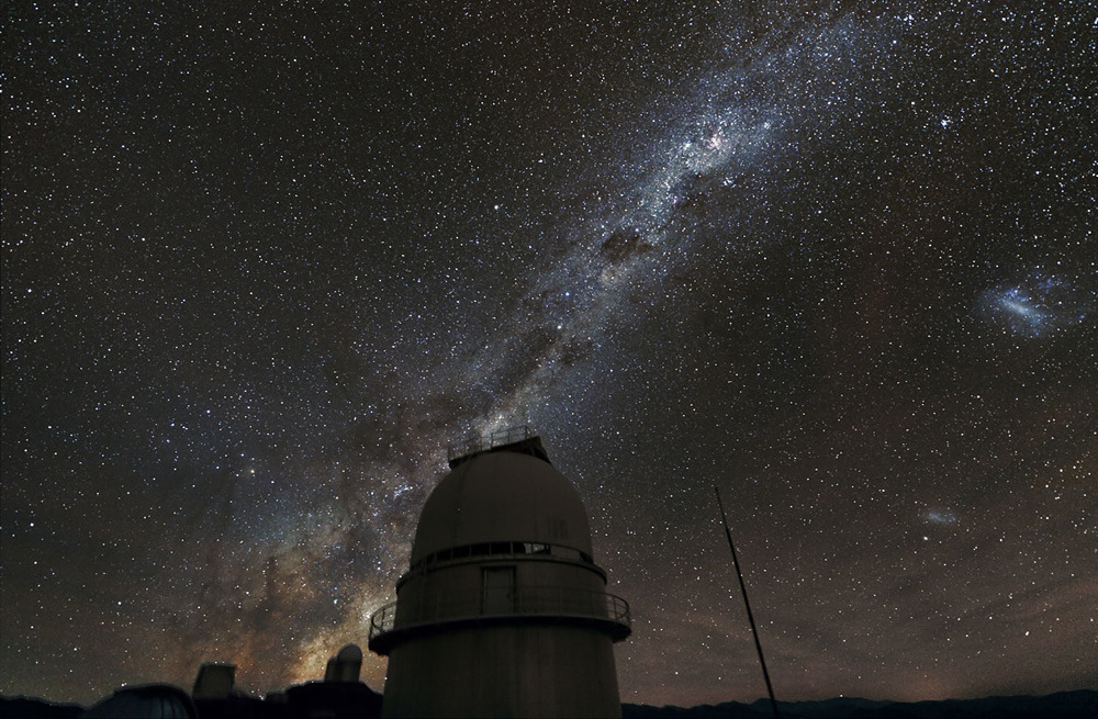 "Photos of the dayThe Milky Way illuminates the sky above the dome of the La Silla Observatory in Chile. Stars are surrounded with planets: ""is the rule, rather than the exception"" within our galaxy, according to a study published on January 11, 2012 by an astronomers' international team. (AFP/Getty Images)"