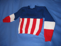 comealongsimba:  Captain America Sweater by telcontar328 on Flickr. Mama's teaching me how to knit (again) so that I can make this jumper. When it's done, I'ma live in it.