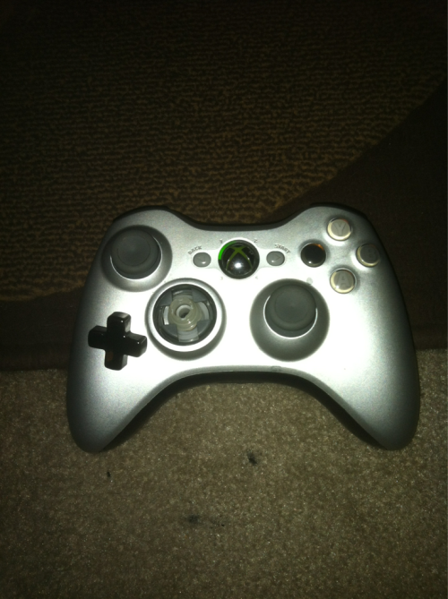 LOOK WHAT SKYRIM DID TO MY CONTROLLER!!